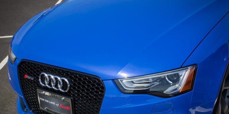 Nogaro Blue Audi RS 5 Wallpaper for Retina iPads