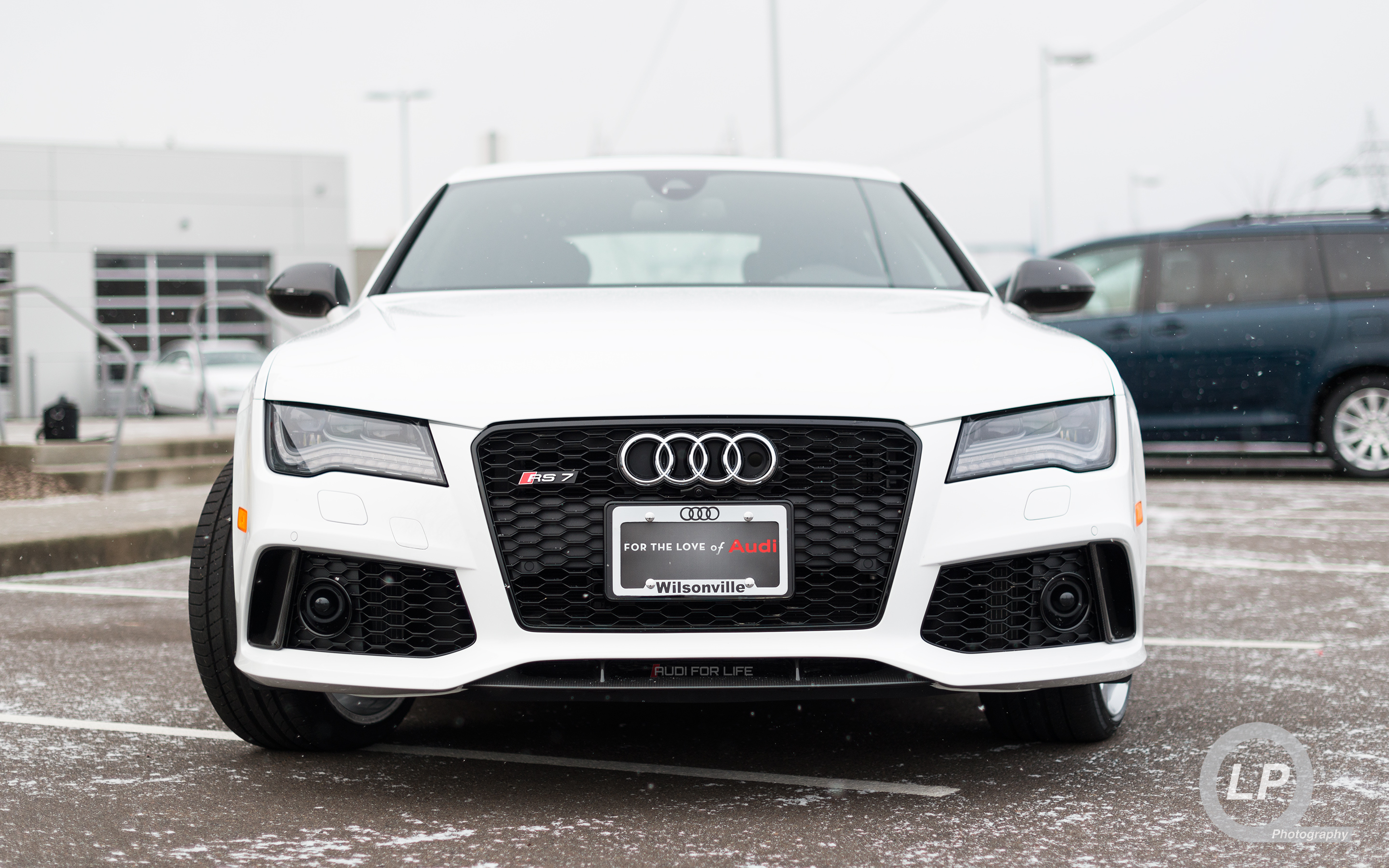Ibis White Audi RS 7 Wallpaper