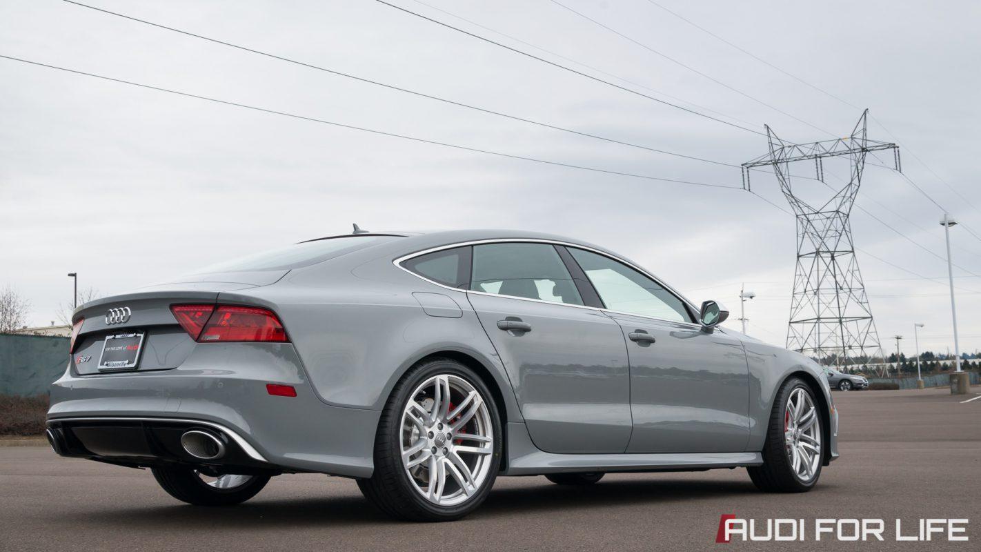 Nardo Gray Audi RS 7 Wallpaper