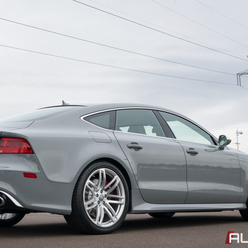 Nardo Gray Audi RS 7 Wallpaper