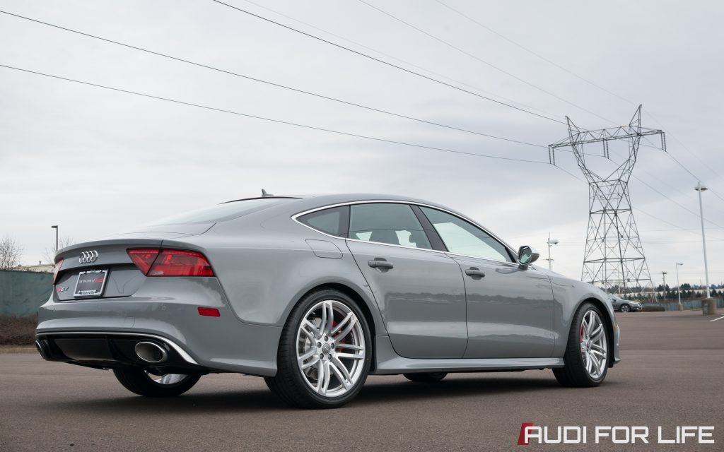 Nardo Gray Audi RS 7 (2880x1800)