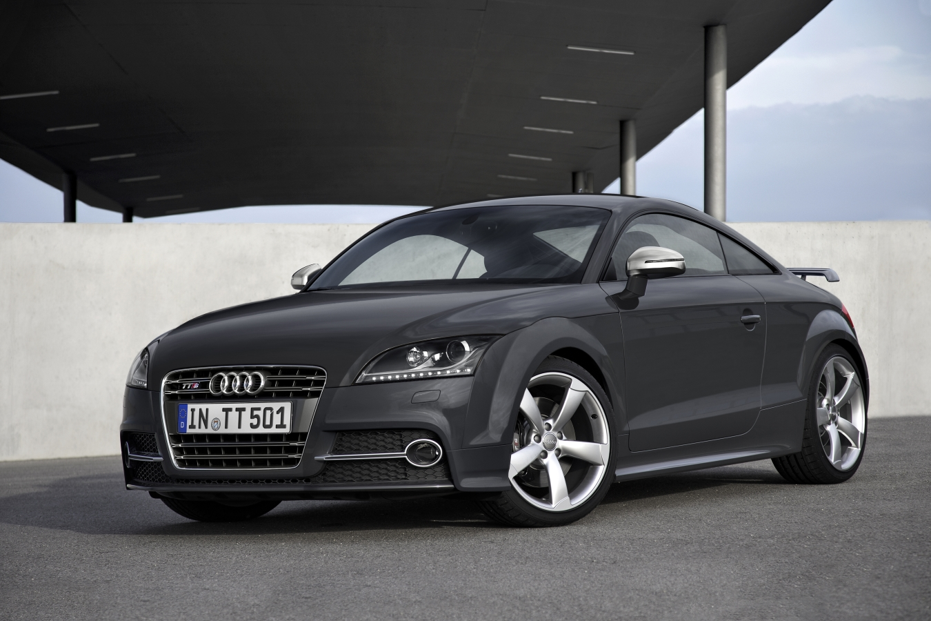The Pros And Cons Of Low Profile Tyres For Audi TT Drivers