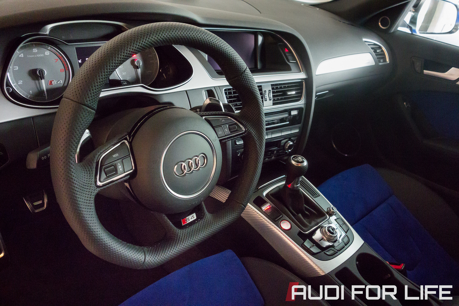 Audi S4 Nogaro Blue special edition interior